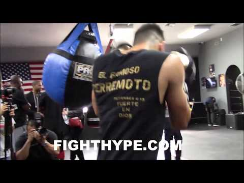 LEO SANTA CRUZ TATTOOS HEAVY BAG; LETS HANDS FLY AHEAD OF AVALOS CLASH
