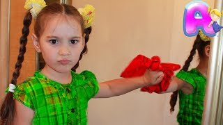 Anna play with cleaning toys and help mom