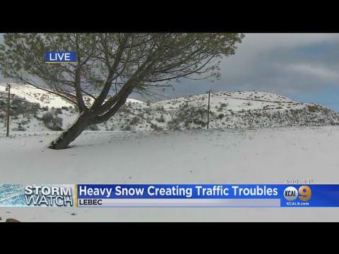 Freeways Shut Down As Snow Blankets Grapevine, San Bernardino County