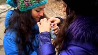 Саша и Настя насилуют пачку сока