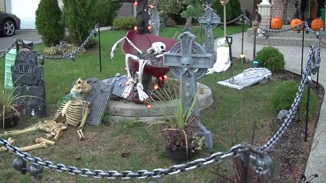 brampton halloween 2011 outside and inside decorations youtube - Halloween Outdoor Decoration