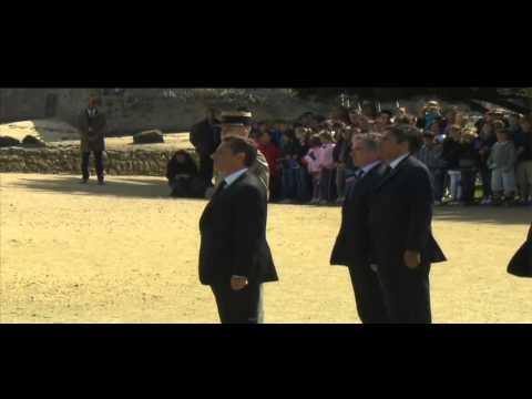 Nicolas Sarkozy rend hommages aux maquisards bretons au Port Louis