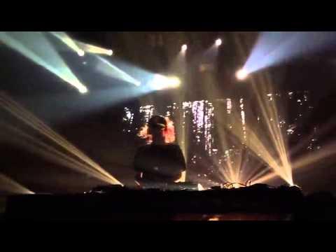 Cashmere Cat - Adore ft. Ariana Grande & Jeremih