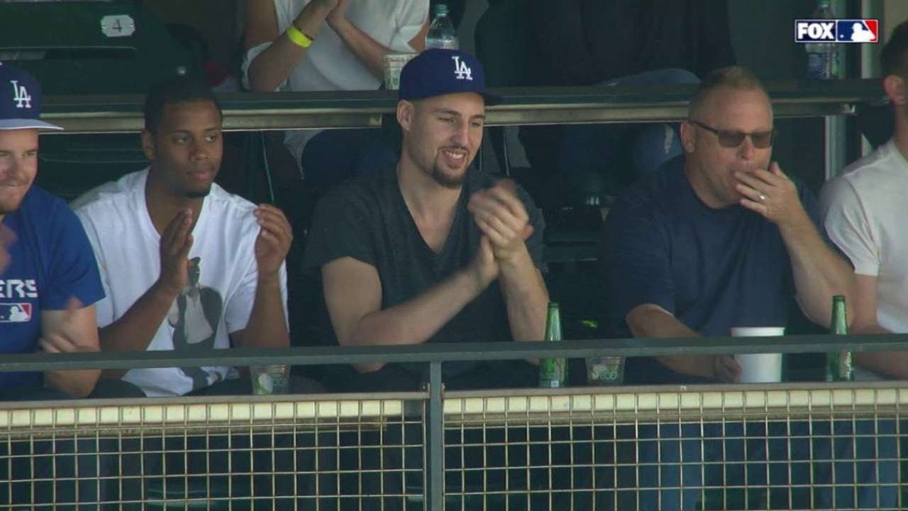 ladatsf klay thompson cheers   brother trayce youtube