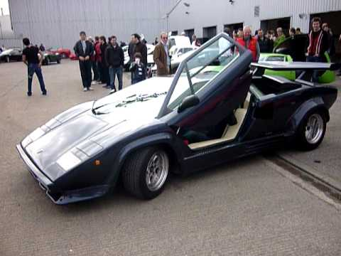 Lamborghini Countach Reversing With Scissor Doors Open Youtube