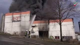 NRWspot.de | Witten – Großbrand in Chemiefirma – Rauchsäule kilometerweit sichtbar