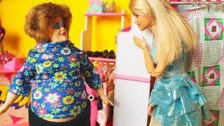 ЭТА КОФТА ВАС ТОЛСТИТ . Мама Барби играем с куклами