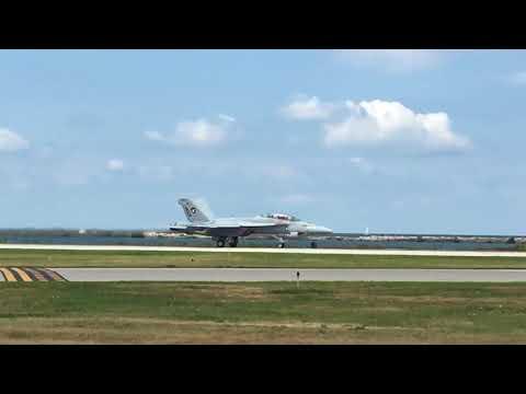 Cleveland National Airshow 2017: F/A 18 Superhornet and Bill Stein aerobatics