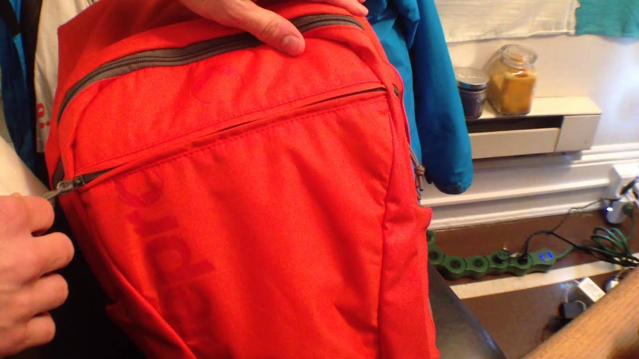 Macbook Air 13 In A Lowepro Hatchback 22l Aw Youtube Photo 16l Red