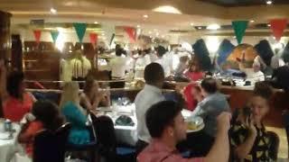 Fiesta mediterránea en el crucero