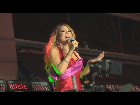 WATCH: Mariah Carey performs free show in Toronto