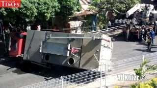 Accident : Un camion de pompier se renverse - Montagne Longue