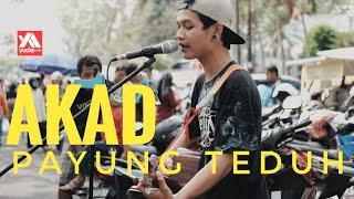 Video AKAD - PAYUNG TEDUH ( Cover Pengamen Keren Malang Suara Emas) download MP3, 3GP, MP4, WEBM, AVI, FLV Agustus 2018