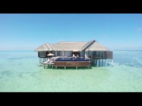a Maldives video like no other...