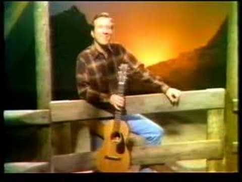 Marty Robbins Sings 'The Strawberry Roan.'