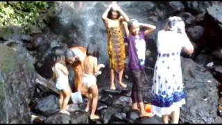 Mandi Di Air Terjun(keluarga Muhid)
