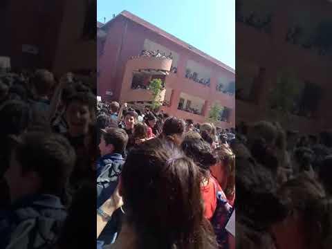 تلاميذ مدرسة فيكتور هيغو يتظاهرون ضد تحرش مسؤول تربوي بتلميذات