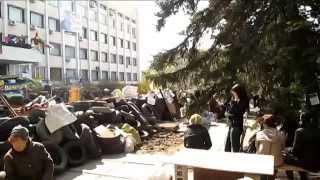 барикады в мариупольском горисполкоме все растут и растут 17.04.2014(, 2014-04-17T20:40:01.000Z)