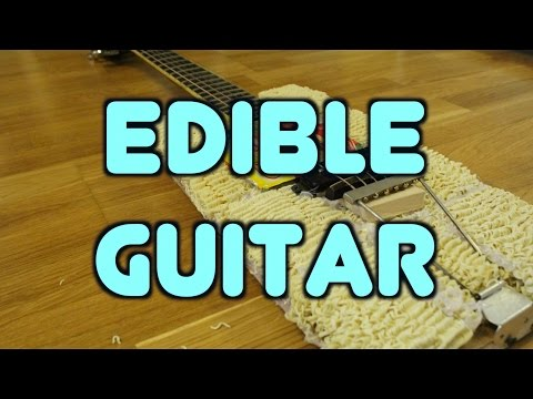 the first edible guitar (guitar made of noodle / ramenguitar)