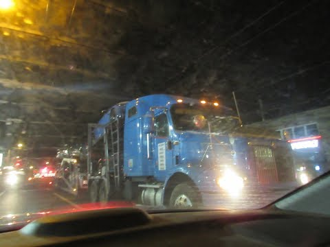 Stunningly Loud Semi Truck Hauling down Frankford Ave! - YouTube
