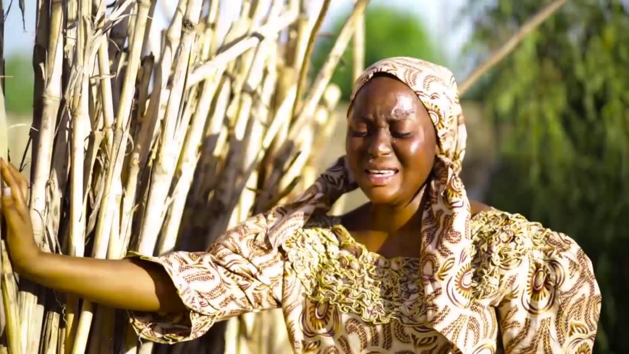 Download Hauwa Kulu -  Umar M Shareef  Hausa Vidoe Ft. Hassana Muhammad 2019