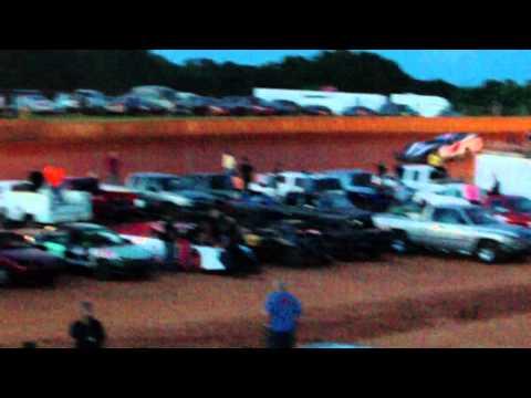 Billy Rushton Quailfying at Laurens Speedway 6/1/13