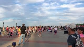 Зумба флеш-моб в Таганроге на набережной. 17.06.2018.