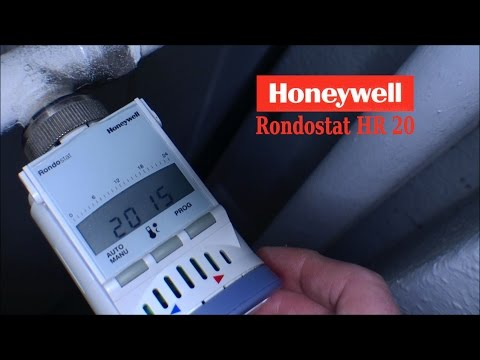 Changing batteries in Honeywell Rondostat HR 20 - 122