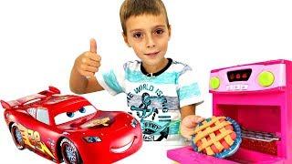 Игры для детей: клубничный пирог из Плей До для Макквина
