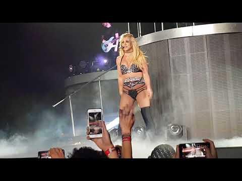 Début concert Britney Anvers