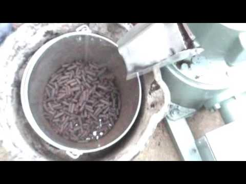🔴 How to Make Pellets with a Small Wood Pellets Machine from Home