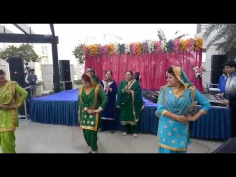 Bajre da sitta by Kaur sisters with Gidha girls