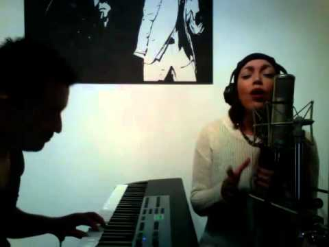 Miley Cyrus - Wrecking Ball (Cover By Angela Coppola & André Ramirez) (Produced by André Ramirez)