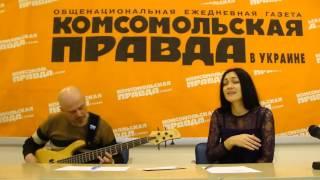 Бас-гітарист Ігор Закус та співачка Іванка Червинська - пісня 2