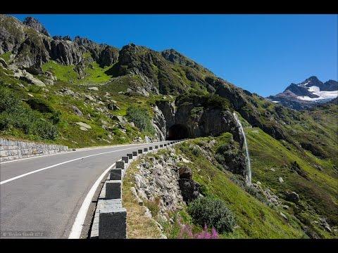 Harley Davidson Street Glide Schweizer Alpen (Swiss Alps)