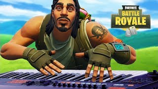 Man plays piano on Fortnite