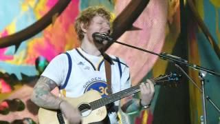 Ed Sheeran - Shape of You (Live in Oakland)