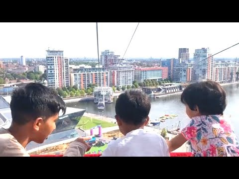 EXPERIENCE LONDON: EMIRATES AIR LINE (CABLE CARS)