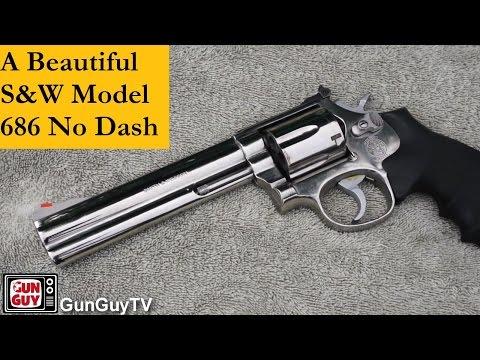 A Beautiful S&W Model 686 (No Dash) With 6 Inch Barrel