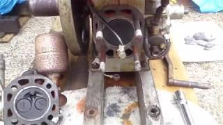 発動機「ヤンマーディーゼル NS40型」(整備中) Oil engine 「YANMAR DIESEL Type NS40」(It's being maintained.) thumbnail