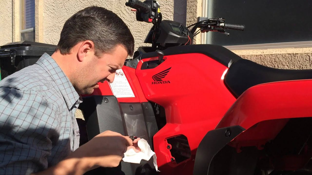 Vid #7 - how to check oil level on 2016 Honda Rancher 420 4x4 DCT EPS