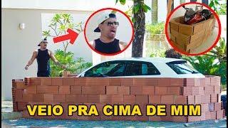CONSTRUI UM MURO EM VOLTA DA MOTO E DO CARRO DO MEU AMIGO