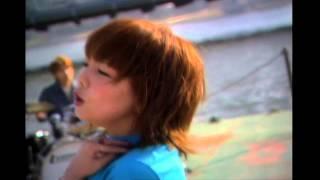 aikoが2002年4月24日に発売した10th single「あなたと握手」のCM。