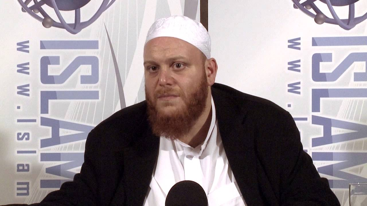 Can we report Muslim criminals to the police after giving naseehah? - Q&A - Sh. Shady Alsuleiman