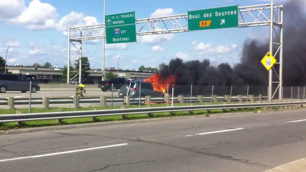 Accident on Highway 40, Montreal near Boul  des Sources