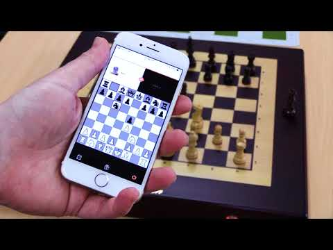 playing-with-squareoff-automated-chess-computer