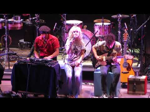 """Paramore - """"Passionfruit (Cover)"""" - Live at Red Rocks"""