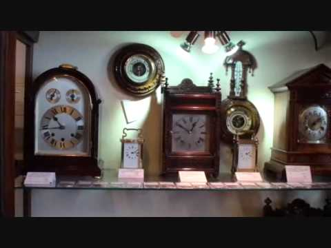 Buying an antique clock
