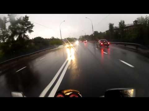 Дождь мотоциклу не помеха!
