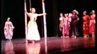 Uitvoering 1993 Assepoester - 2e Bedrijf (deel 1): In De Balzaal (
